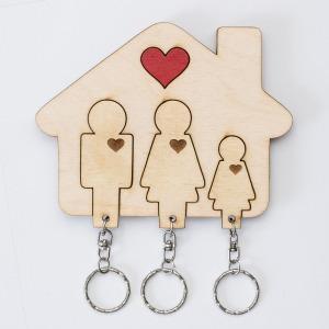 Szíves családos fali kulcstartó (apa-anya-lány)